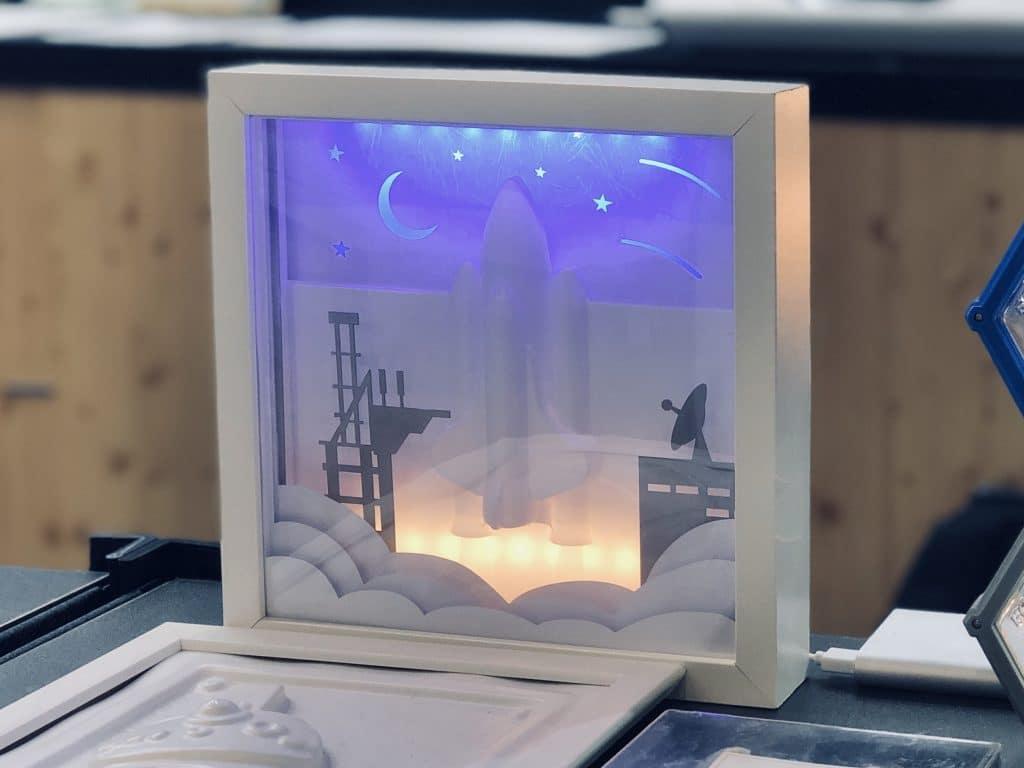 桌上型真空成型機-製作的太空探索相框